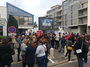 Suicide de notre collègue de Pantin : 150 enseignants rassemblés ce midi devant la DSDEN